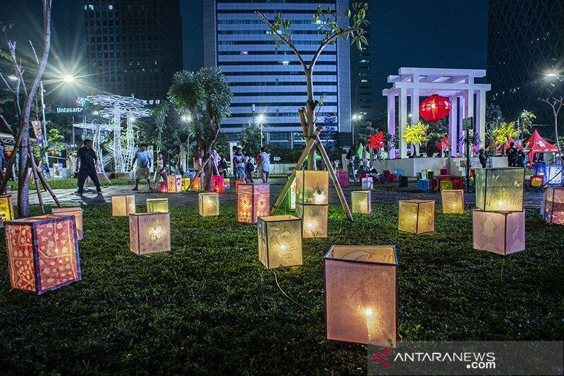 Ratusan orang nikmati kemeriahan perayaan Imlek di Thamrin 10