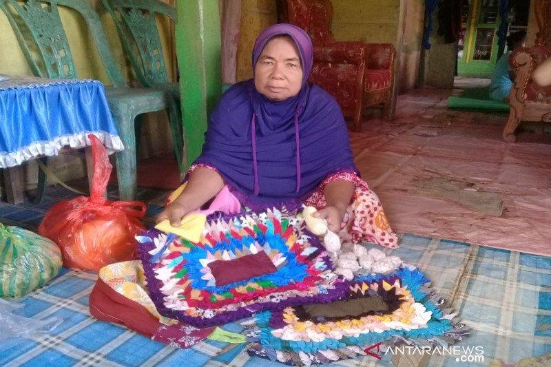 Di Bombana, lansia dapat program DKLU dari Loka RSLU Minaula Kendari