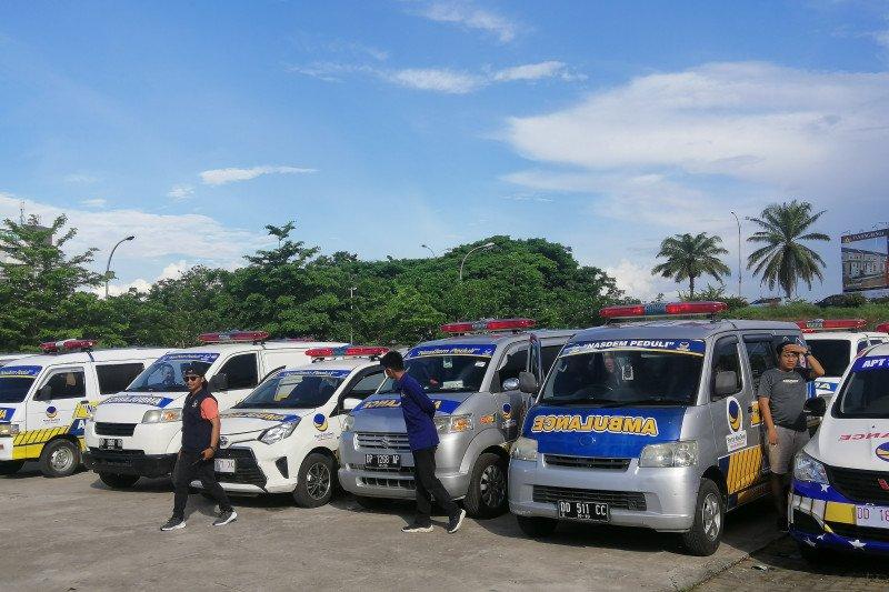 Surya Paloh lepaskan 220 mobil ambulans DPW NasDem Sulsel