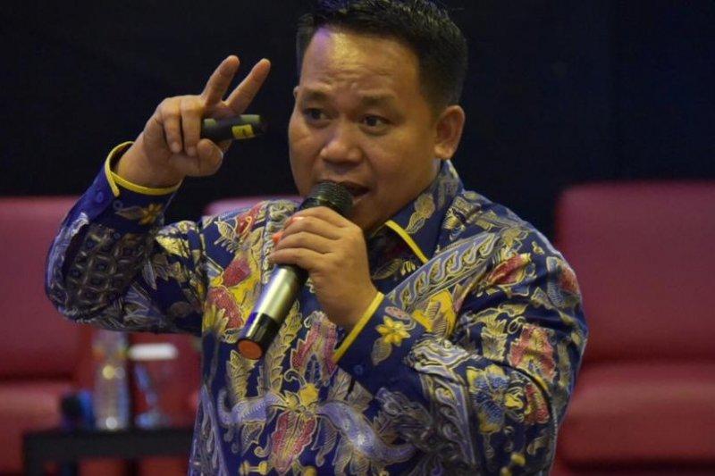 Rektor Unimed dukung kebijakan baru Mendikbud magang tiga semester