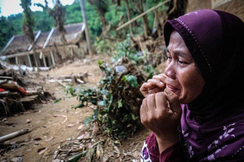 Cigobang Lebak hampir sebulan bagaikan kampung mati akibat banjir bandang