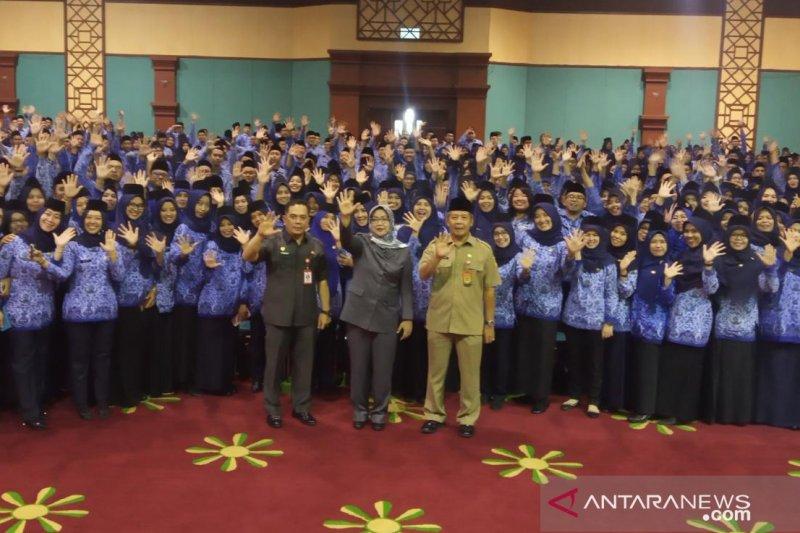 Bupati Bogor wanti-wanti masalah kedisiplinan saat lantik 577 PNS baru