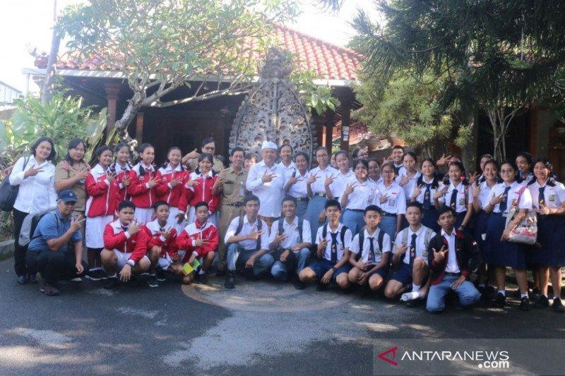 12 tim peneliti muda Kota Denpasar ikuti