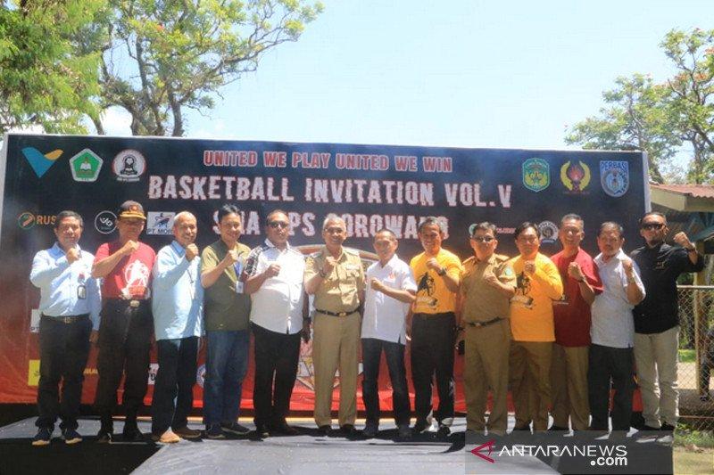 Bupati Lutim buka invitasi bola basket antarpelajar se-Sulsel