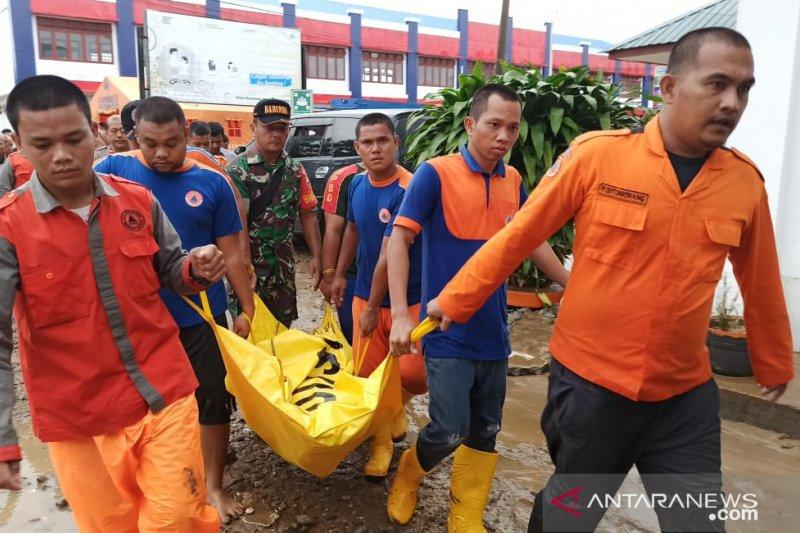 Korban meninggal banjir di Tapanuli Tengah jadi 6 orang