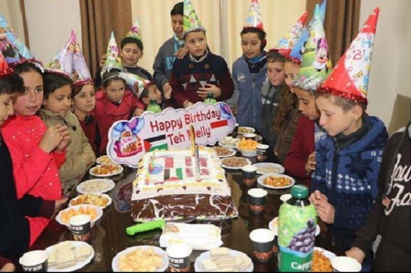 Melly Goeslaw, duta kemanusiaan untuk Palestina diberi kejutan