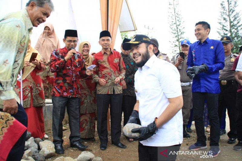 SMAN 2 Padang Panjang rayakan HUT dan mulai pembangunan mushala
