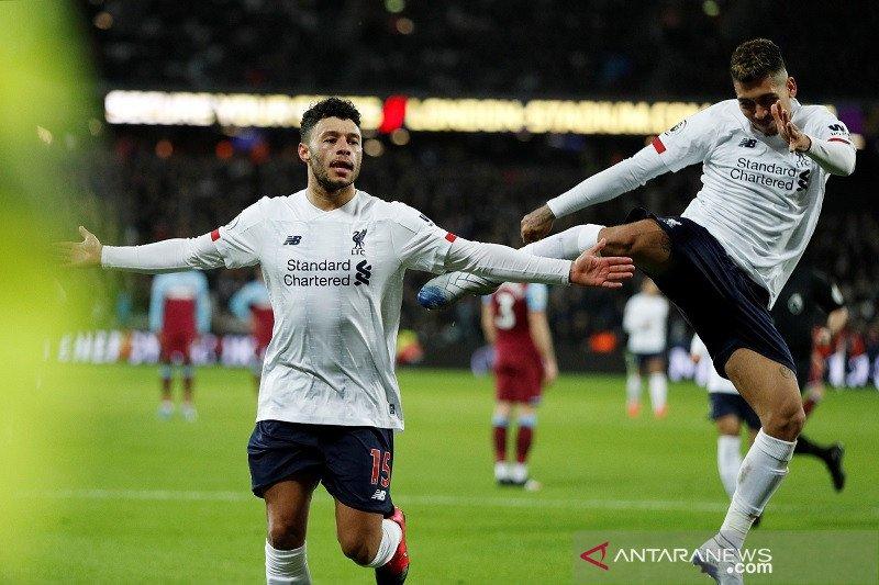Liverpool makin kokoh di puncak klasemen usai redam West Ham 2-0