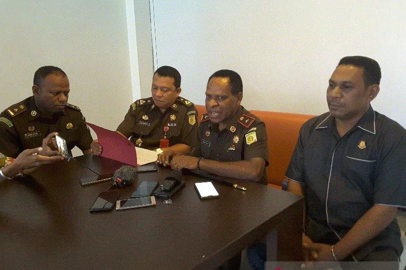 Penanganan kasus korupsi pada dua kabupaten di Papua ditunda