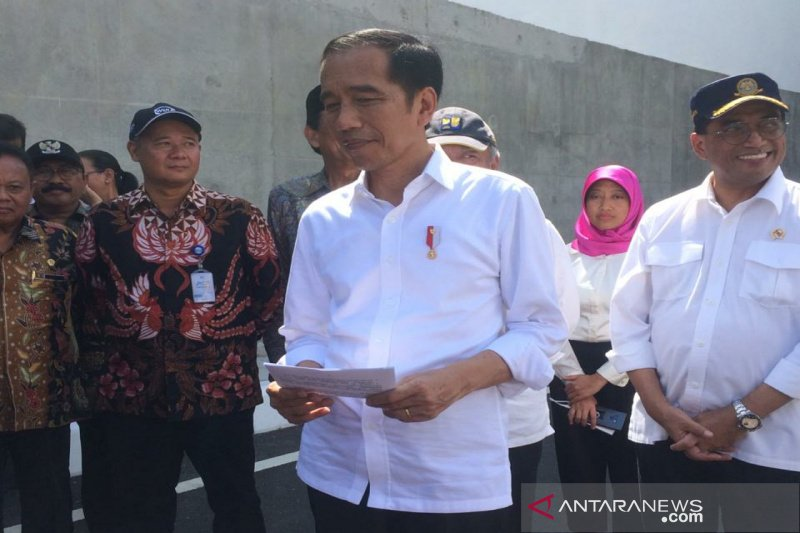 Presiden Jokowi resmikan jalan bawah tanah Bandara YIA