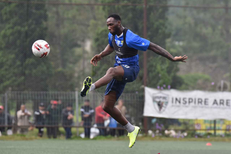 Persib siap turunkan Geoffrey Castillion lawan Melaka United