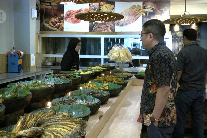 Ini Tanggapan Masyarakat Soal Service Charge Restoran Berita Terkini Jawa Tengah