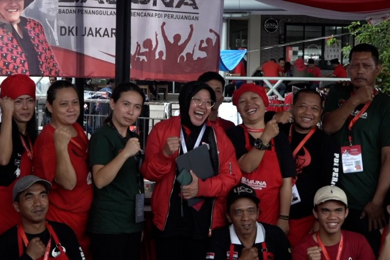 Dipuji Megawati, Risma sebut tak peduli jabatan