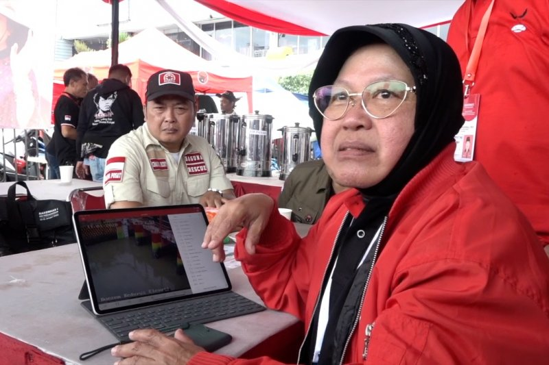 Meski di luar kota, Risma tetap pantau Surabaya dari CCTV