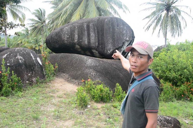Melihat lebih dekat Taman Batu Alif di Natuna