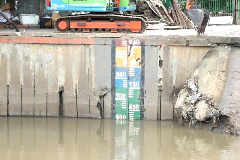Tinggi muka sembilan pintu air Jakarta normal