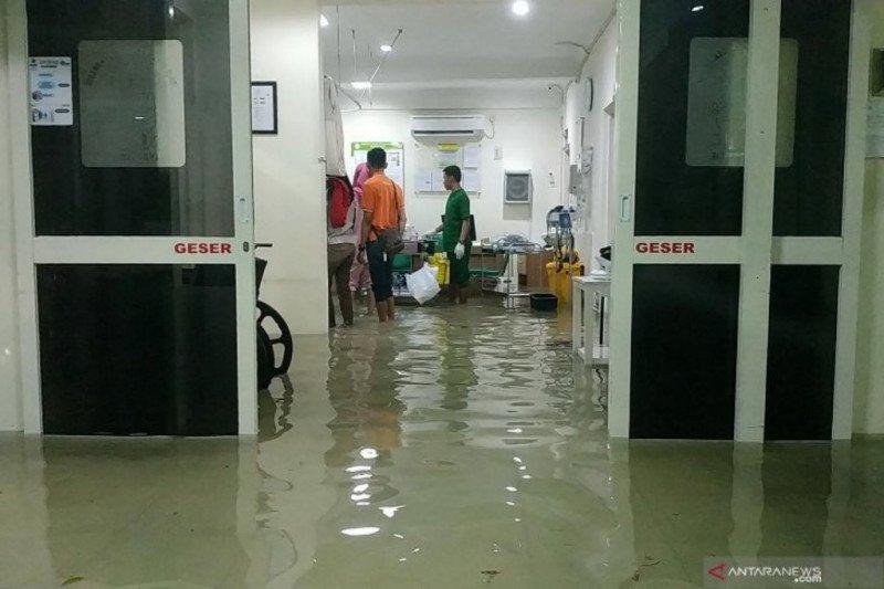 Rumah Sakit Islam Surabaya banjir