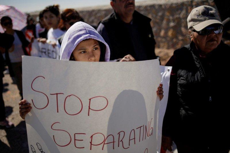 AS akan hapus program perlindungan imigran DACA dalam enam bulan
