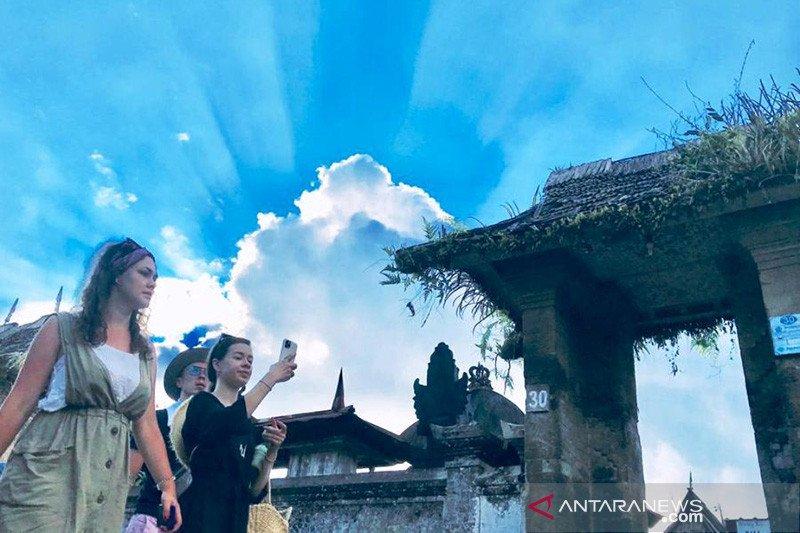 BPS: Kunjungan turis asing Februari 2021 anjlok  86,59 persen