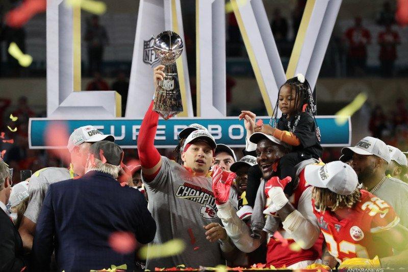 Kansas City akhiri puasa gelar 50 tahun untuk menangi Super Bowl