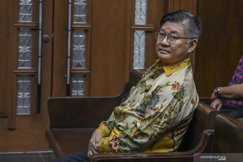Pengusaha dituntut 4 tahun penjara karena suap kepala kantor pajak