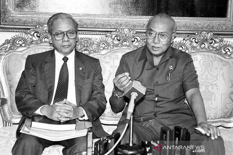 Airlangga : JB Sumarlin adalah pahlawan bidang ekonomi