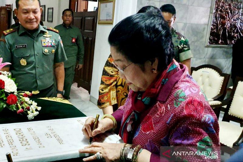 Bangun Patung Soekarno, Gubernur Akmil: Abadikan sejarah Proklamator