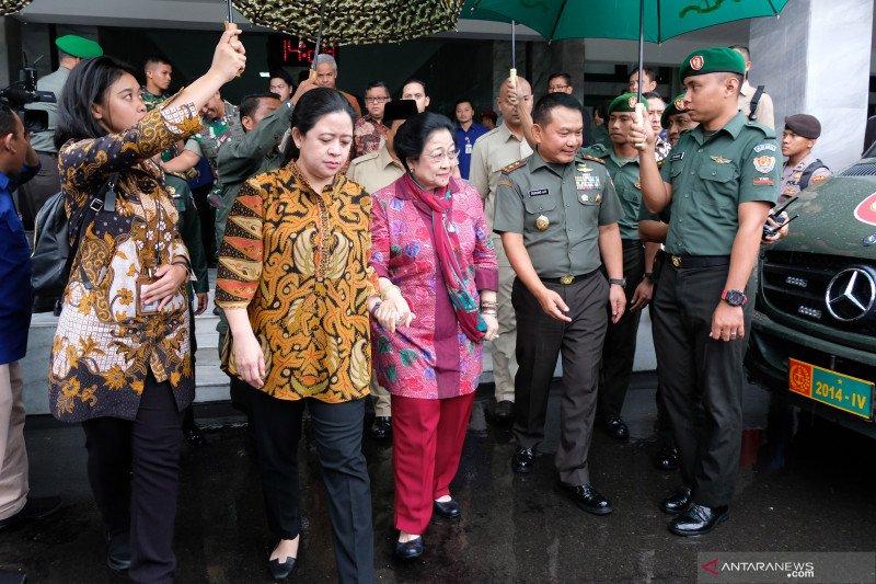 Megawati kunjungi Akademi Militer Magelang