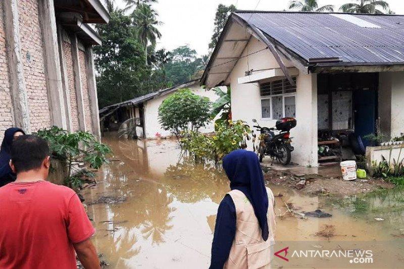 Tiga nagari terkena banjir di Kabupaten Solok, sekolah diliburkan