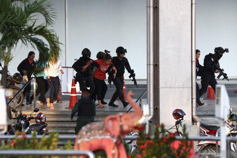 Penembakan massal di mal Thailand