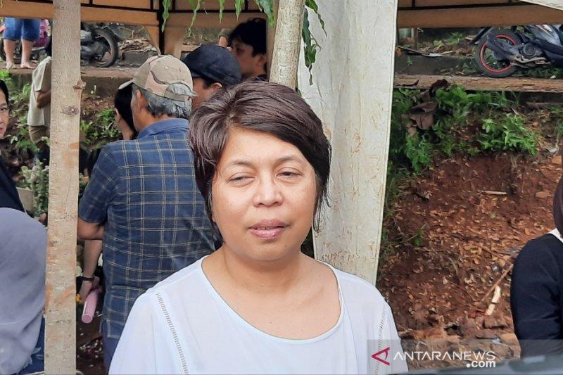 Keluarga Karen Pooroe ingin polisi mengusut kasus meninggalnya Zefi