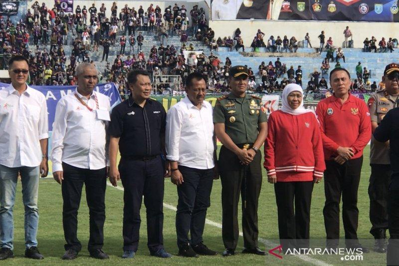 Khofifah buka turnamen sepak bola Piala Gubernur Jatim 2020