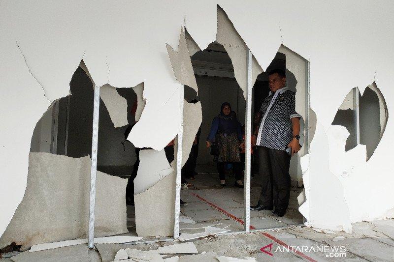 Rombongan Komisi II kaget melihat kerusakan Pasar Eks Mentaya
