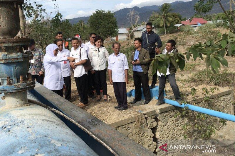 Gubernur Jatim tinjau pipanisasi air bersih korban bencan di Sigi