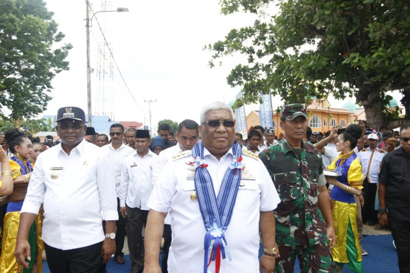 "Kunker di Buton Tengah, Gubernur Resmikan Gedung Kesenian ""Mawasangka Centre"""