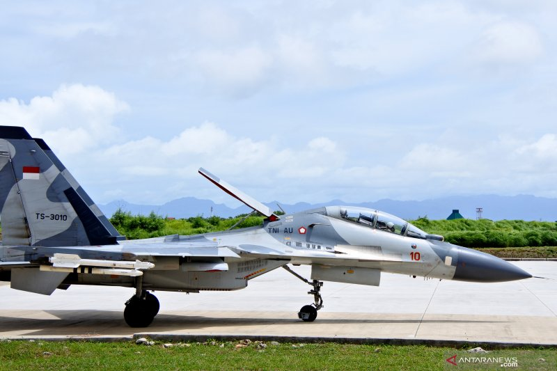 Empat pesawat tempur sukhoi patroli di wilayah NTT
