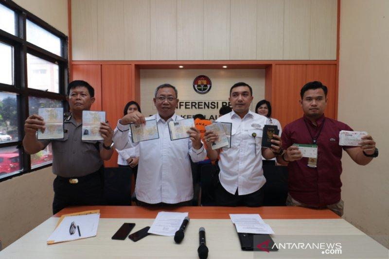 Polda Kepri selamatkan 142 orang pekerja migran Indonesia