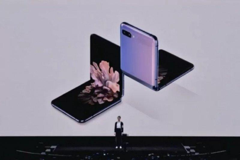 """Samsung resmi rilis ponsel lipat """"clamshell"""" Galaxy Z Flip. Ini penampakannya"""