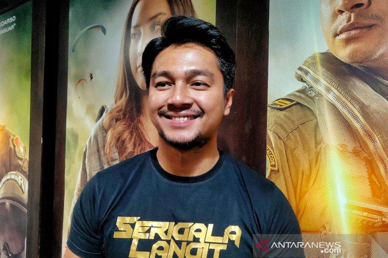 """Deva Mahenra merasa beruntung main film """"Serigala Langit"""""""