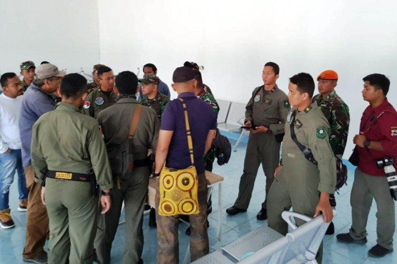 Polres Pegubin bantu TNI proses evakuasi bangkai helikopter MI-17