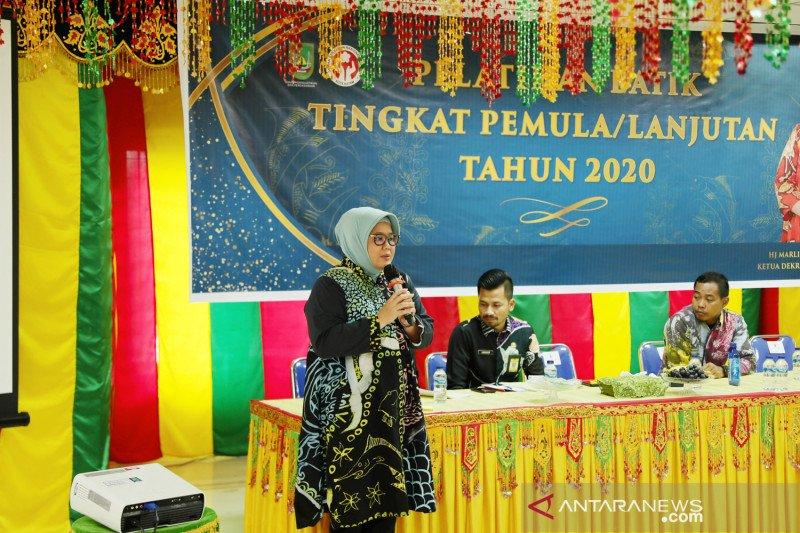 Pemkot Batam patenkan hak cipta enam batik marlin