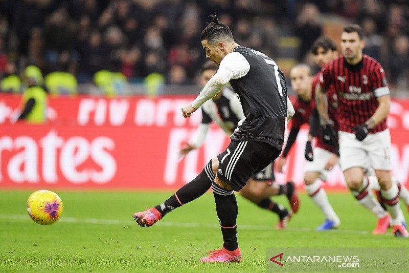 Kartu merah dan penalti bawa Juventus imbangi Milan