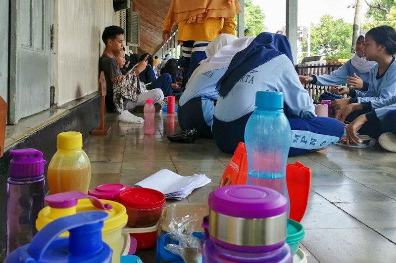 SMP Negeri 6 Yogyakarta kampanye diet plastik