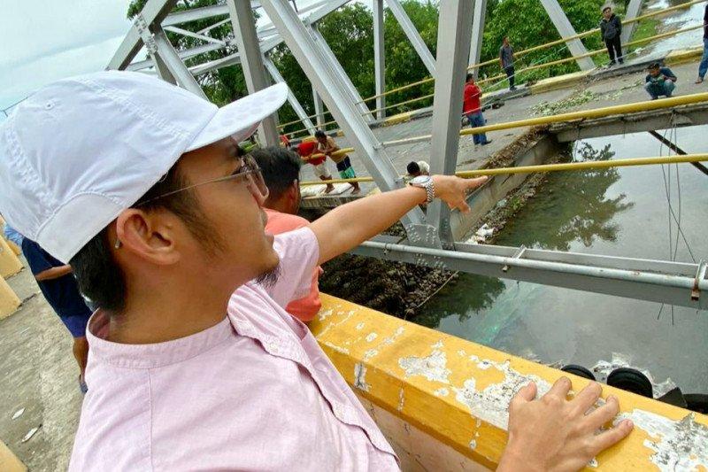 Jembatan trans Sulawesi di Barru diduga amblas karena karatan