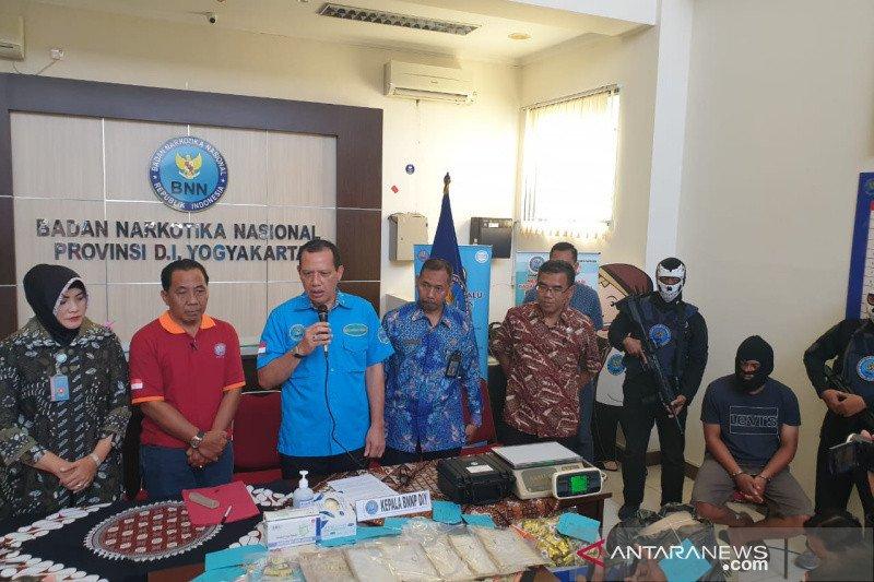 BNNP DIY menggagalkan penyelundupan 1 kilogram sabu