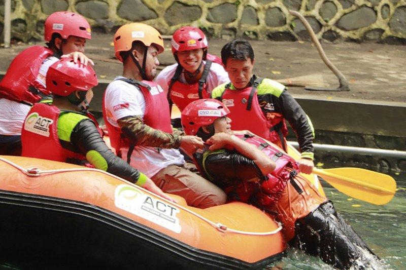 ACT-MRI beri pelatihan teknik pertolongan di air