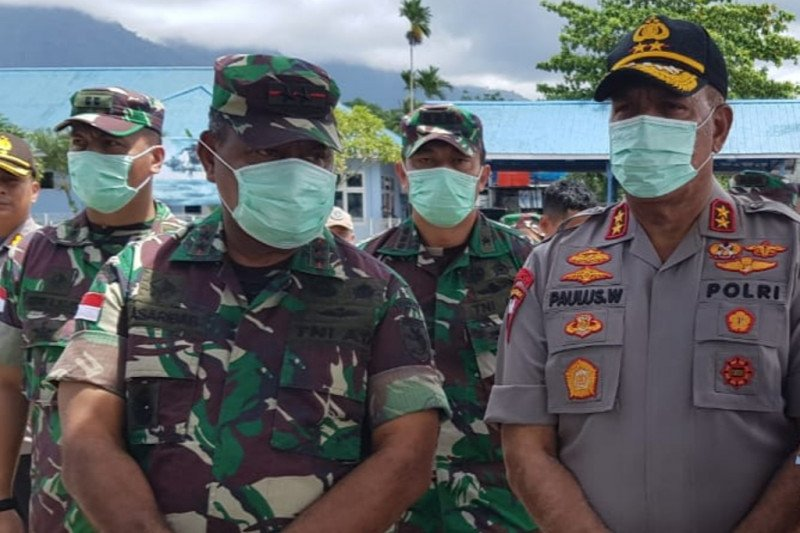 Pangdam XVII Cenderawasih apresiasi pihak yang bantu evakuasi jenazah prajurit TNI AD