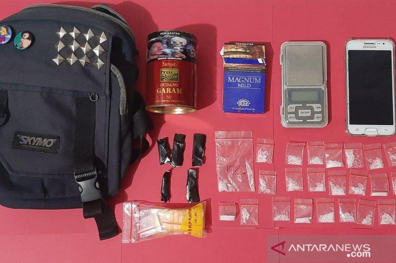 Polres Cianjur tangkap pemilik 24 paket sabu-sabu seberat 8,20 gram