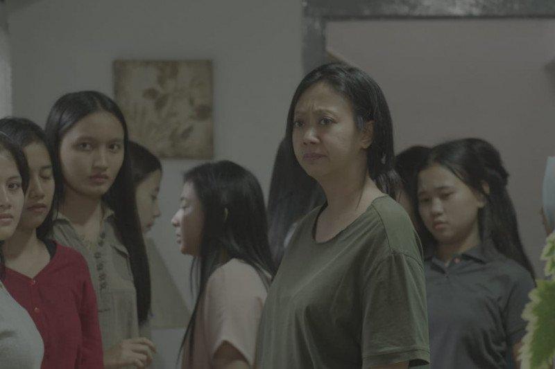 Stres syuting film horor, Asri Welas makin penasaran