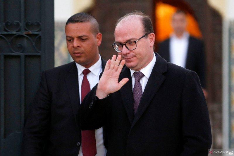 Staf kepresidenan Tunisia sakit setelah membuka surat mencurigakan